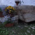Blumentöpfe mt Brunnen