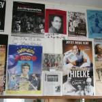 Plakate im Saal (45)