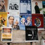 Plakate im Saal (55)